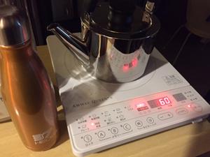 60℃の白湯